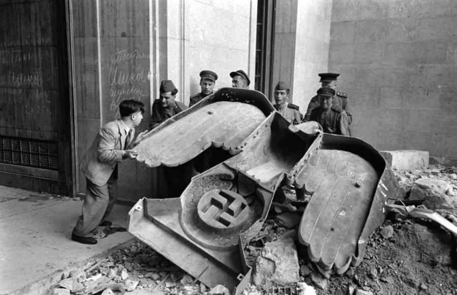 Berlin – A City Scarred