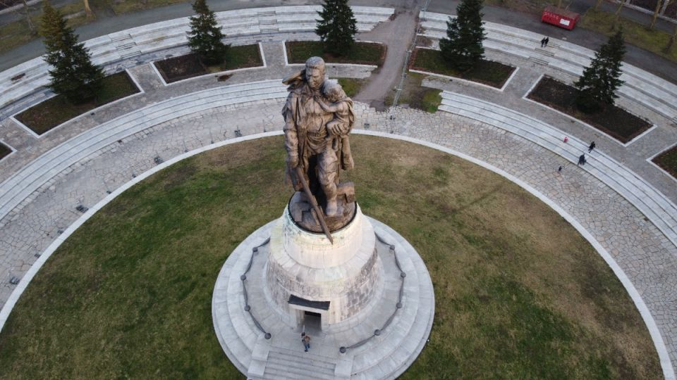 Exploring the Soviet Memorials located around Berlin