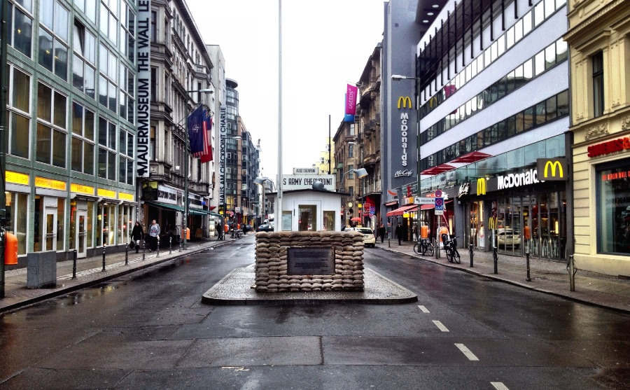 Checkpoint Charlie used to mean something back in the Cold War. Ten days after closing the border on August 13, 1961, tourists from abroad, diplomats and the military personnel of the Western Allies were only allowed to enter East Berlin via the crossing point on Friedrichstrasse. And this is why it became so important. If you wanted to cross the Wall to East Berlin, this was the only place to do it.