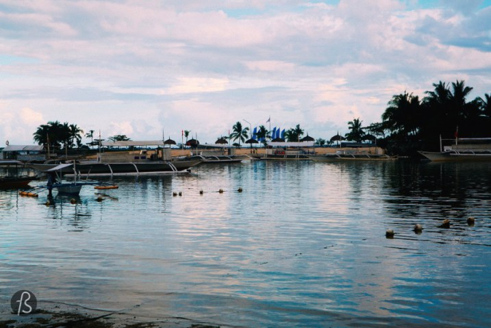 Mactan Island (or Maktan) was my last destination in Cebu, it is the place for the best resorts in the area. The island is divided in 2 basically, the municipality of Cordova and the amazing Lapu-Lapu City. Mactan was already a blooming settlement before the Spanish colonization on the XVI century.