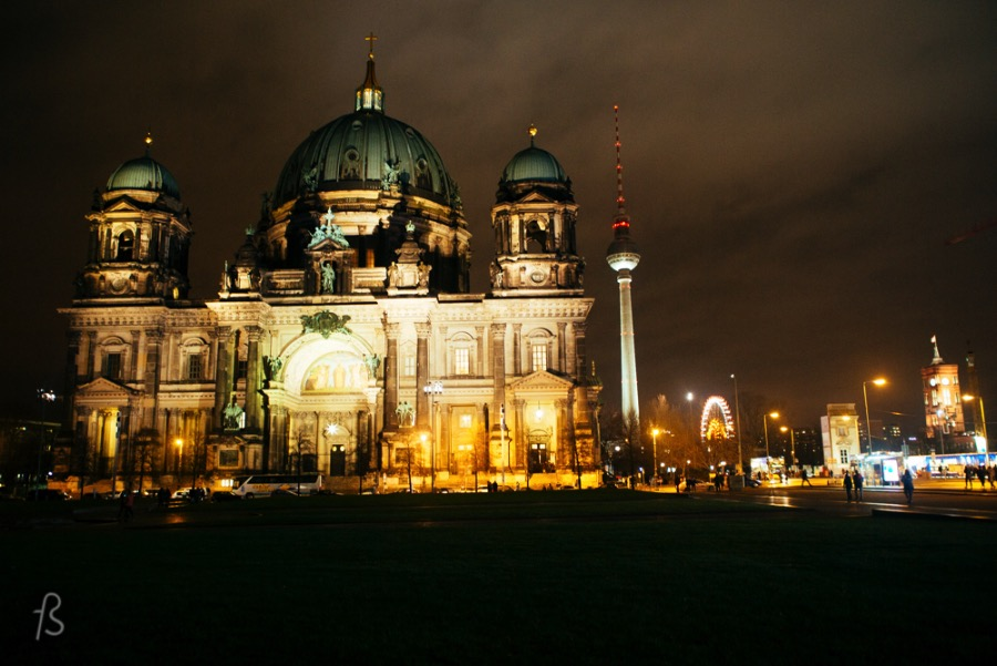 Idolize the Berliner Dom Lay down in the sun or just stare at it during the night, the Berliner Dom will take your breath away with its Italian Renaissance-style architecture. free things to do in berlin