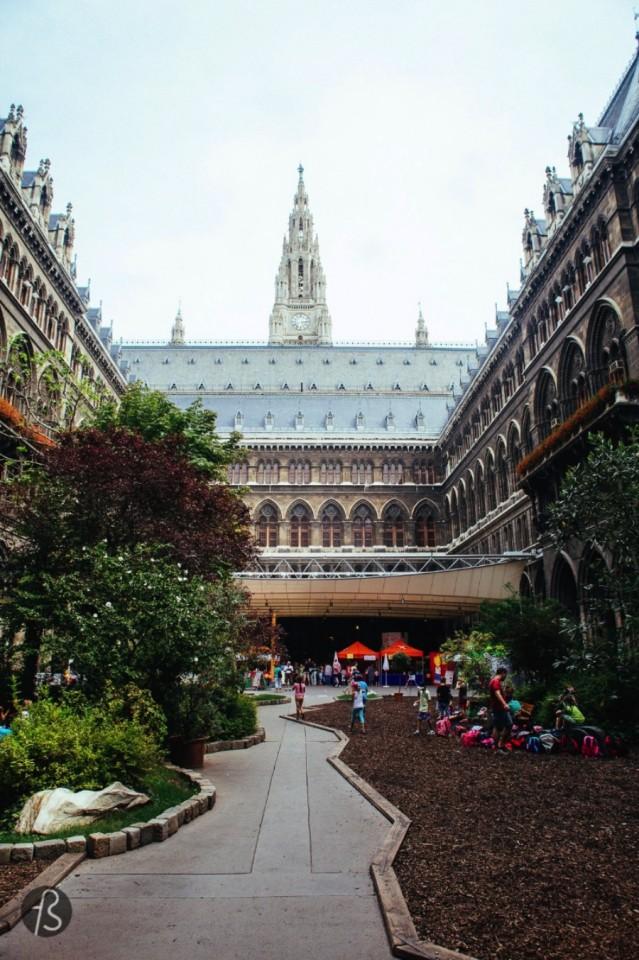 Vienna Rathaus - Fotostrasse