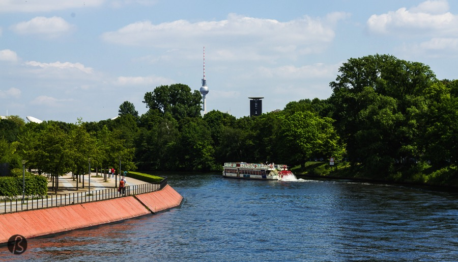Berlin is a different city in each season. We might love the winter in Berlin but it's in the summer that you can really enjoy everything the German Capital has to offer. The standard procedure to enjoy there Berlin Summer is simple: go outside and do something.