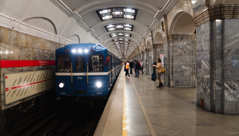 St Petersburg Metro – Exploring the Russian Underground