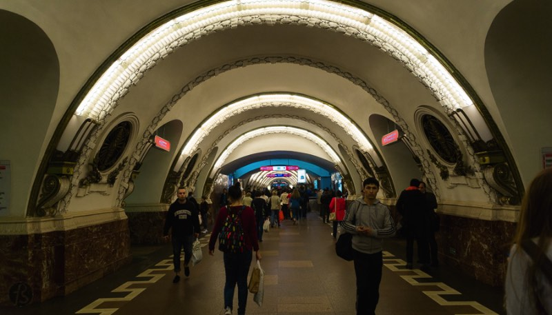 The St Petersburg Metro is one of the most beautiful underground railway system we ever had the pleasure of visiting. First opened in 1955, the metro of Saint Petersburg in Russia is one of the busiest in the world with five subway lines, 67 stations, over 3.000 trains and 2.5 million passengers a day. We did visited the St Petersburg Metro when we visited Russia in May and we took pictures of everything.