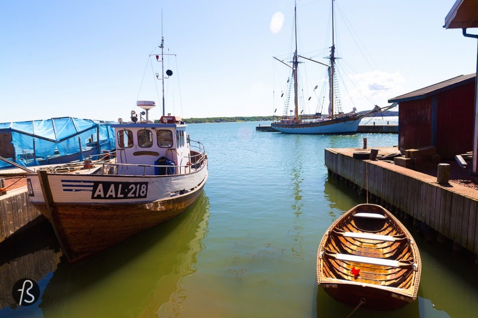 6 Things you need to to in Åland - Mariehamn grew up round the farming village of Övernäs, one of the many on the region. Mariehamn is the biggest city in Åland with 11.000 people living on it.