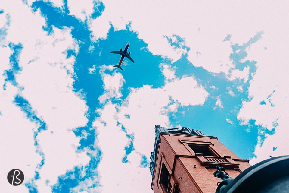 Welcome to Fotostrasse's beginners guide to travel around Europe. This is nothing but a useful list of services and links with some personal recommendations and tips for a perfect Eurotrip without headaches or bad vibes. Here I'll teach you all the tricks to save top money on airline and accommodations, the pros and cons of choosing a hotel or a hostel, how to make the right choice, tips on apps that you can download that will make your life super easy and much more. Have Fun!
