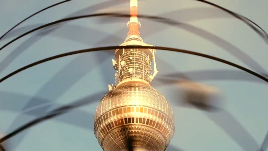 Berlin Dynamic by Matthias Makarinus
