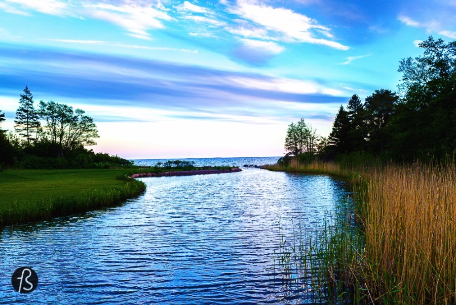 During our Åland Islands tour in June, we tried to explore these beautiful islands between Sweden and Finland as much as we could. This is how we ended up in Eckerö, where we spend a great day at the beach in Degersand.