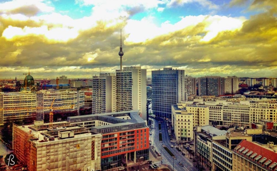 When people visit Berlin for the first time, they find time to visit Checkpoint Charlie. But what is around Checkpoint Charlie is better! Leipziger Strasse is a strange part of Berlin. This street looks completely different from the picture most people have of Berlin in their mind. This happens because Leipziger Strasse was almost completely flattened during the bombardments organized and carried out by the United States Air Force in February 1945.