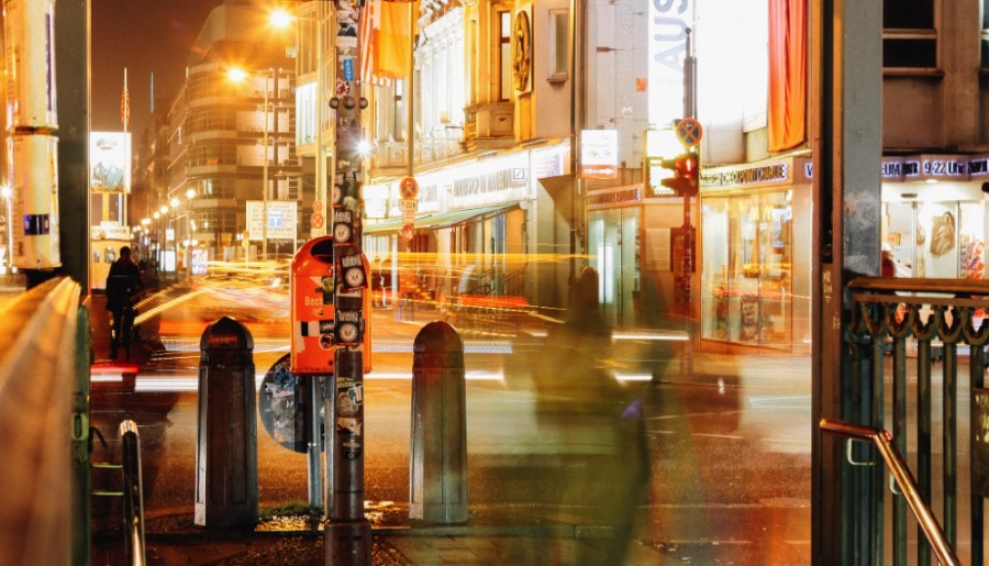 What can you do around Checkpoint Charlie?