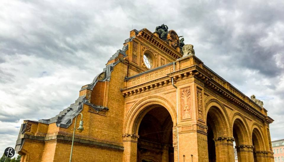 When people visit Berlin for the first time, they find time to visit Checkpoint Charlie. But what is around Checkpoint Charlie is better! A little bit to the south, you are going to see the remains of what was once Berlin Anhalter Bahnhof. This is where one of the biggest train station in continental Europe used to stand. Built in 1839 and later extended in 1872, Berlin Anhalter Bahnhof got the nickname of Gateway to the South, with train services via Dresden to Prague and Vienna, and to places as far away as Rome, Naples and Athen