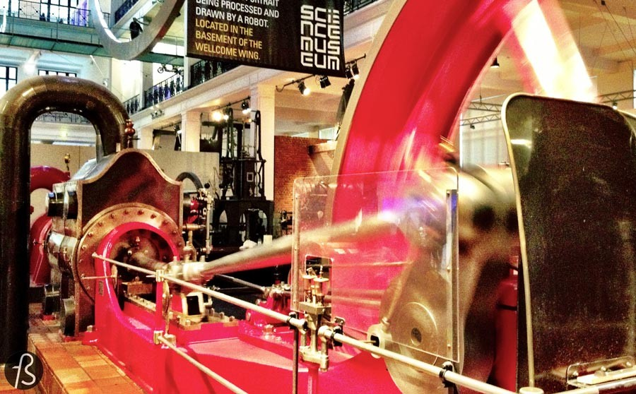 London on a Budget at the Science Museum - This museum is an educational place where several of humankind's best scientific advancements are at our disposal. But what everybody I know chooses to remember are the number of interactive stations and items. It's just like a playground.