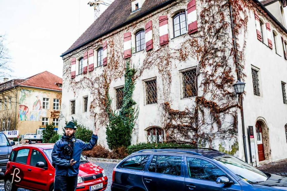 """The glorious days of Salt mining and imprinting silver coins are past, but you can still see how thing were. What remains in Hall in Tirol's old town is incredibly well-preserved. From the vast list of must-see you can add the """"Royal Palace"""" and the Pfarrkirche St Nikolaus."""