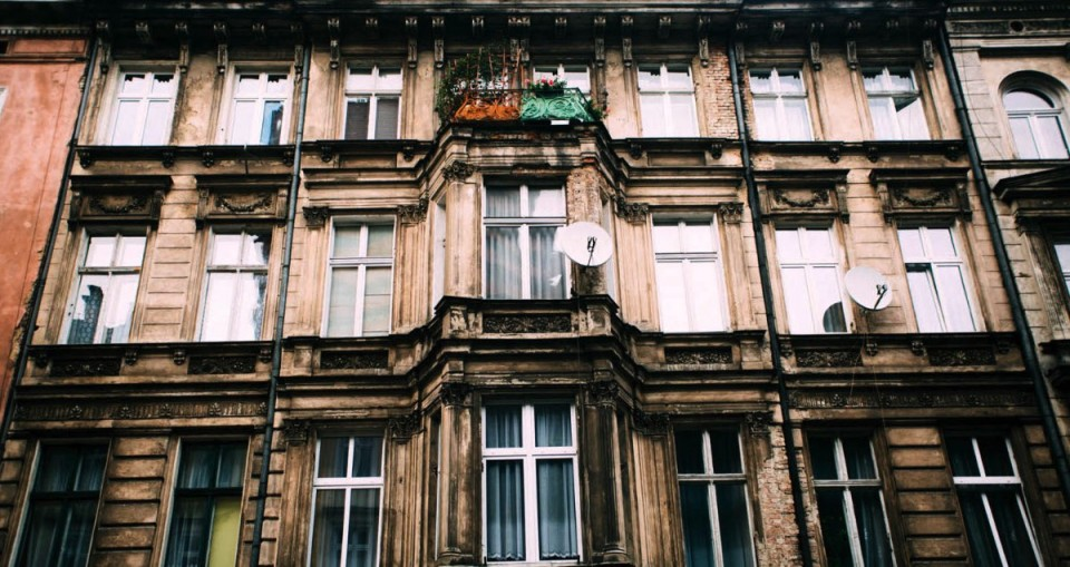 We didn't know much about Poznan before we visited the city in summer 2014 and we fell in love with this polish gem. Our stay in Poznan was so great that we keep sending our friends there and, after a while, we realized that we never wrote a proper guide to Poznan. So, if you are looking for a guide to this city, you can stop you search because now you will see a lot of things to do in Poznan.