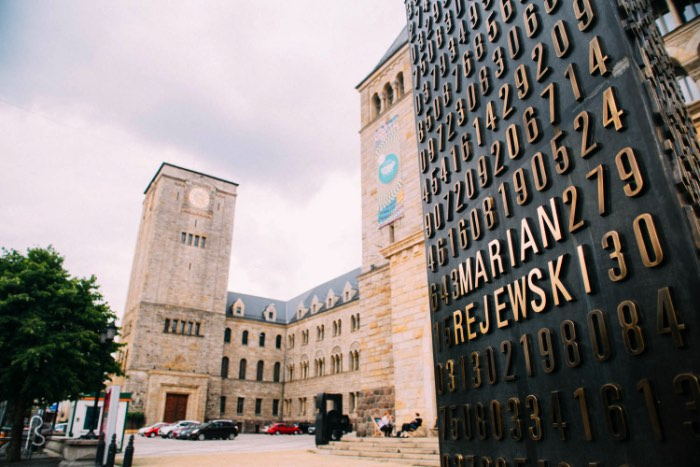 During Prussian rule, German emperor Wilhelm II wanted to show Poznan who was the boss of the city and decided to do this with a huge castle in the middle of the city. This is how the city ended up with the last and youngest monarchical residence in Europe. This huge building was made to allude medieval constructions and it was opened by the Emperor itself. But the history of this castle didn't end there.