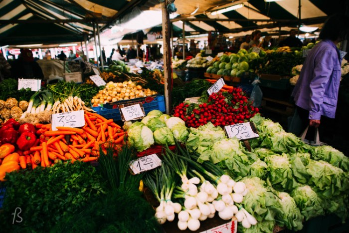 Walk a little more into the middle of the neighborhood and you will stumble upon Rynek Jeżycki. This is the local street market where you can see fruits, vegetables and some authentic street food being sold. Everything looks great and, because of the currency exchange, everything is really cheap. So, if you want to eat like the locals do in Poznan, this is the place for you.