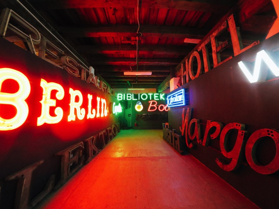 Our Visit to the Neon Museum in Warsaw