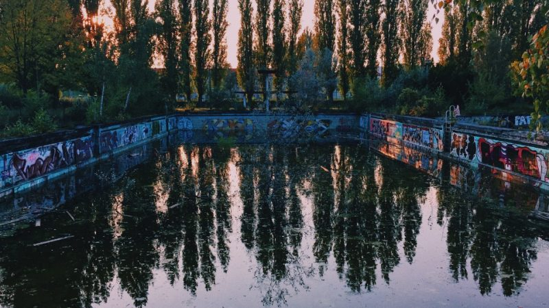 The Abandoned Freibad Lichtenberg Pool via @fotostrasse