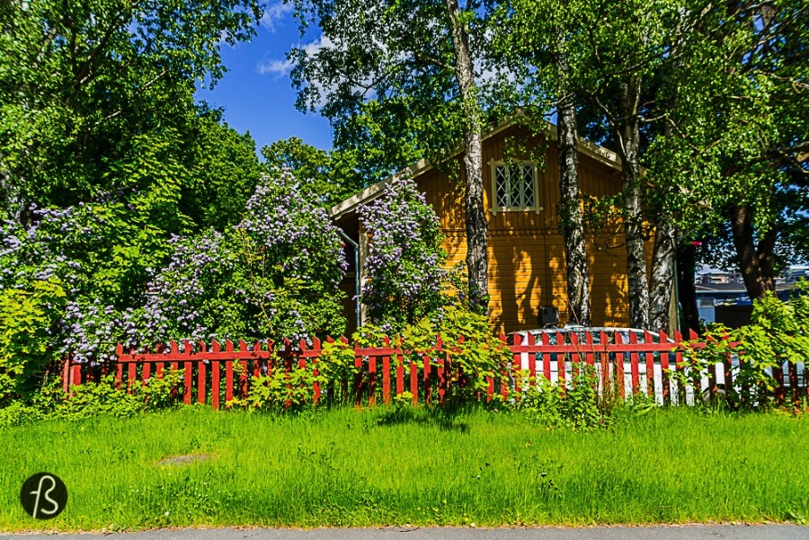 One of the great things about traveling to Finland in different seasons is to see how the cities and the landscape changes from winter to summer. The activities, the vibe, the colors and the mood are completely shifted from black to white and that is amazing! Turku is the second largest city in Finland and it was once the capital of the country until the Russian Empire decided to change it to Helsinki. Turku lost the title of capital but it will never lose the post as the oldest city in Finland. Founded at the end of the 13th century, it quickly became the most important city in Finland.