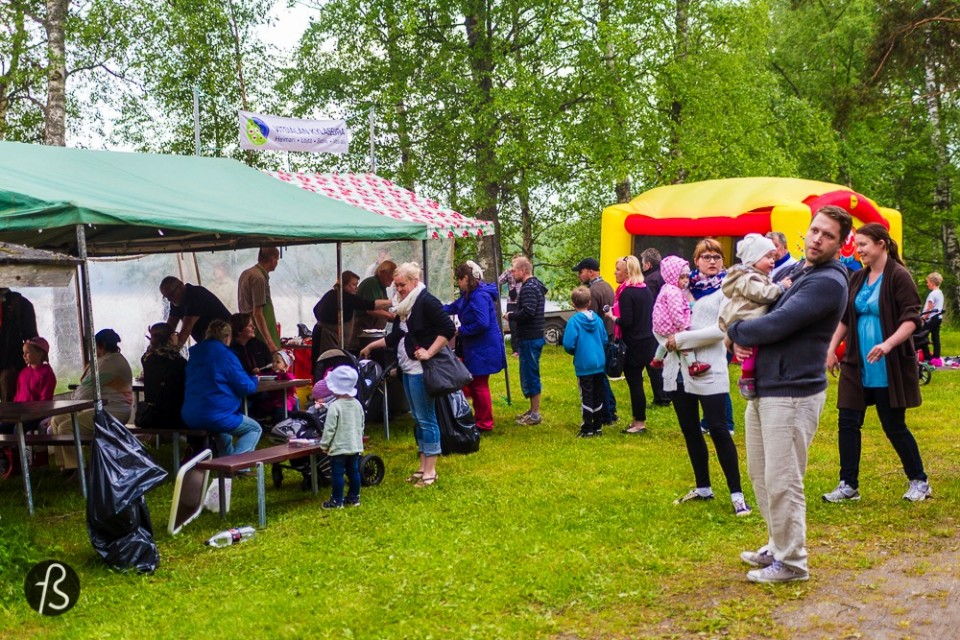 Marcela Faé - Fotostrasse - Midsummer Day, also known as Juhannus in Finland and St. John's Day in some other countries. It is the day when the sun it is on its highest pick in the Northern hemisphere - the summer solstice. It usually takes place between June 19 and June 29 depending on the year and the preceding evening is known as Midsummer Party. This is my wonderful experience with this celebration in Finland, a country that takes Juhannus so serious that some say it can be a bigger deal than Christmas or the New Years Eve.