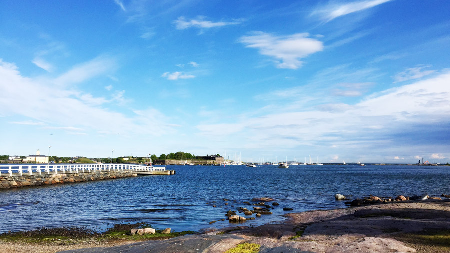 Or you can just jump onto the boats taking you to the islands just in front of Helsinki, like Pihlajasaari or Iso Vasikkasaari in Espoo.