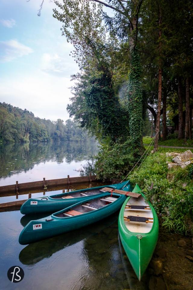 """things to do in slovenia -Domačija Kuzma is a working watermill in Pobrežje, a city district of the City Municipality of Maribor in northeastern Slovenia. The complex is not only about the watermill, tho. You can swim the clear water river, explore the area by kayak or just enjoy the countless photos opportunities this place has to offer. The history behind this family run watermill is super interesting too. The lovely daughter of the owner showed us everything around it and told us a bit about how a watermill works. It is incredible to see how people used to prepare food, all the machines and everything else. If you're lucky, the lovely Mike will show up to make your day a bit better. Mike comes from Mike Tyson, ok people? This lovely cat is a fighter and if you see him hurt, it is because he is the """"guard dog"""" of the place. His owner told me that there is a fox that sometimes wanders around the area and for Mike, his house is not open for fox visitation. So he hunts and fights the shit out of this fox. And for some reason, the small cat always wins. Tough - and lovely - , little fellow."""