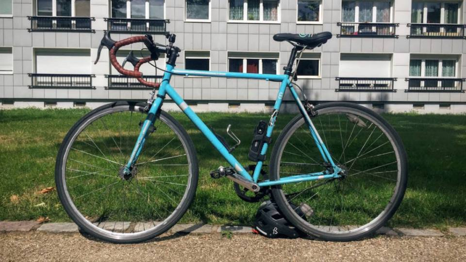 Every time I meet somebody that just moved to Berlin, I ask them about buying a bike. And it is even better when you can cycle through it with some of what I consider my essential bike accessories. Yes, I have a list of those.
