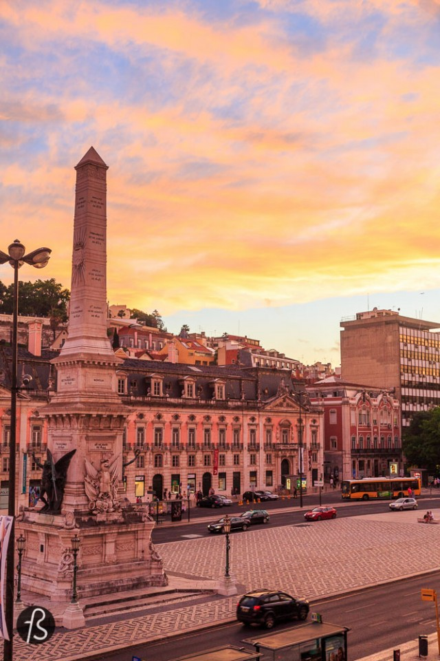 things to do in lisbon - Where to stay in Lisbon If you're already familiar with this blog, you know I'm not a big fan of hostels since I travel with a lot of equipment and I never feel 100% safe. But I open exceptions to hostels with private rooms because I do enjoy the feel of not having to behave in a certain way. Some 4 or 5 star hotels demands a level of elegance that I just cannot deliver before my morning coffee. In Lisbon I had the pleasure to try the Good Morning Hostel. I contact them and they were super open and reserved me their private room for me and my mom. It was her first time in a hostel and I didn't want to put her in a dorm or something. The hostel is just amazing. I guarantee you that you'll have all the nice features of a hotel without the formality of one. Besides that, I feel in love with their freshly prepared breakfast. Pancakes and toasts with tomato and cheese, all nice and warm waiting for you to wake up with the smell. All I needed to endure the summer in Portugal's capital. Besides the breakfast and the level of bed comfort, I gotta say that this place wins extra points for the magnificent location. Super central, well connected with tons of buses and subway and filled with restaurants around it. Everything a traveler needs with a ridiculous low price. Make your booking and tell them you saw this post.