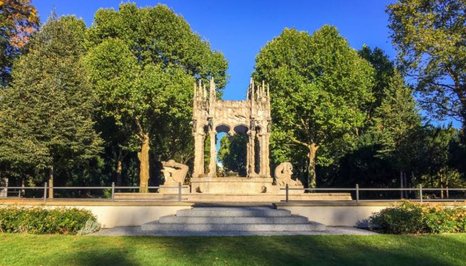 Our visit to Schulenburg Park and its beautiful fountain in Neukölln