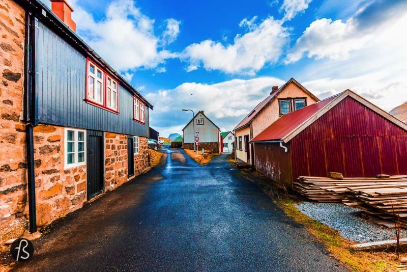 The village is small but it has been there for a long time. It was first mentioned all the way back in 1584 and it seems to have existed long before it. Gjogv is easy to find on the map and it's located a little more than 60 kilometers from the faroese capital, Tórshavn. We drove it there without any problem and we had to stop the car a few times to take pictures of how gorgeous everything was around us.