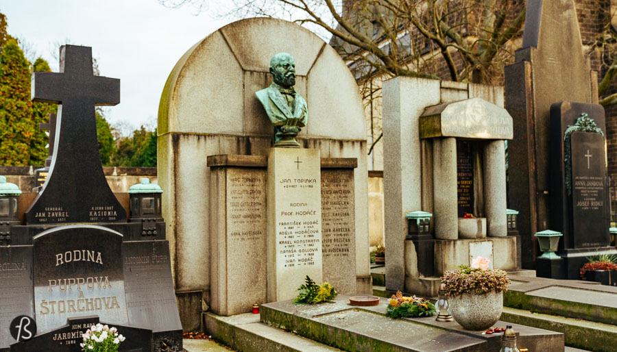 The place where you can find Vysehrad Cemetery today was already a cemetery dating all the way back to 1260. The one that you can see in the pictures here was established in the 1870s by Václav Štulc, a writer, poet, and priest who devoted his life to resurrect the glory of Vysehrad. The marble tombs on its Southern and Eastern sides were designed by Antonín Barvitius, whose most significant work is the Church of St. Wenceslas in Smíchov. The arches were designed by Antonin Wiehl, one of the leaders of the Czech Renaissance, who followed the Italian style with Tuscan pillars made of sandstone.