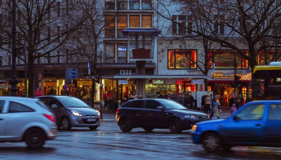 Verkehrskanzel: Berlin's Only Traffic Control Pulpit Left from the Fifties