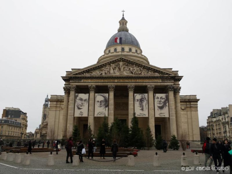 One of the most beautiful architectures in Paris lies in this big building located at the Latin Quarter. The Pantheón (meaning Every God from the Greek Pantheon) it's one of the most famous monuments in Paris and its neoclassical architecture is a masterpiece of its time. With giant columns in Corinthian style, and a huge impressive dome - known today as one of the skylines of Paris - whenever you see it feels like you have to bow (just kidding!). Its construction was initiated in 1764 during the reign of Louis XVI, an attempt to compete with the Saint Peter Basilica, in Rome.