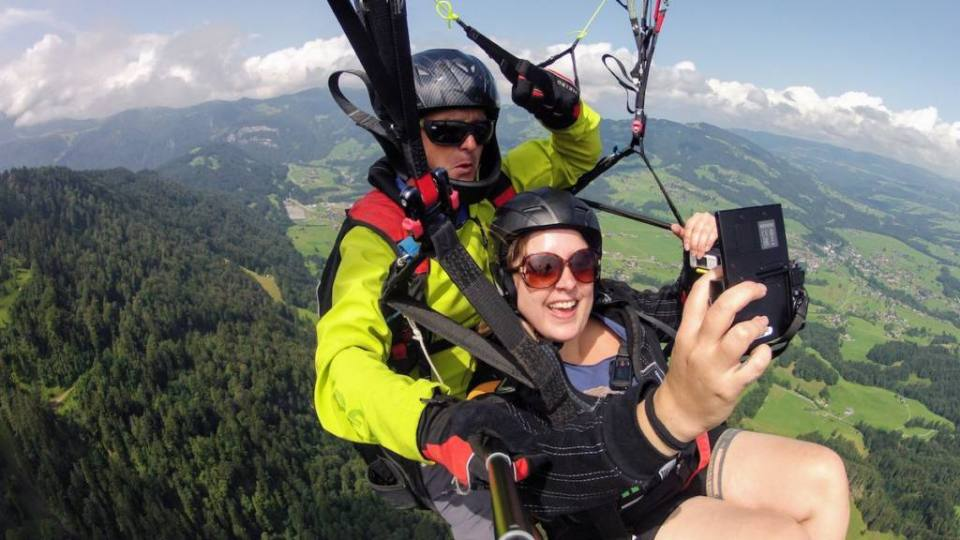 Last year we were invited to visit one the most beautiful regions of Austria, Vorarlberg. And from everything we saw and did, paragliding in Vorarlberg was by far my favorite activity. The sensation of freedom and the indescribable view you can have from up the sky is something that everyone should try. At least once.