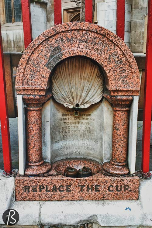 I never thought about the mass appeal of a public drinking fountain. But I live in Berlin in the 21st century, and I don't need to think about cholera and other diseases. But London was not like this in the 19th century. The life of the poorer classes was a nightmare back then. If you wanted to drink water, you couldn't open the tap in your kitchen. Most people didn't have access to water in their homes, so the alternative was to go to the Thames River and get some from there. But the Thames was so dirty that it wasn't considered clean water anymore. The river was essentially an open sewer in the middle of London, filled with chemicals from the Industrial Revolution and feces from all the people living in the city. Everything was dumped in the river, without any treatment.