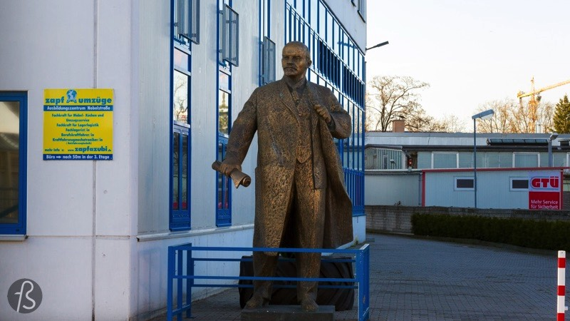 If you want to find Lenin in West-Berlin, you will have to walk between trucks and factories in the industrial park south of Neukölln. It feels like Lenin is left out of the city but, somehow, I believe that he is in the right place. Far away from the tourists and close to the people who work in Berlin.