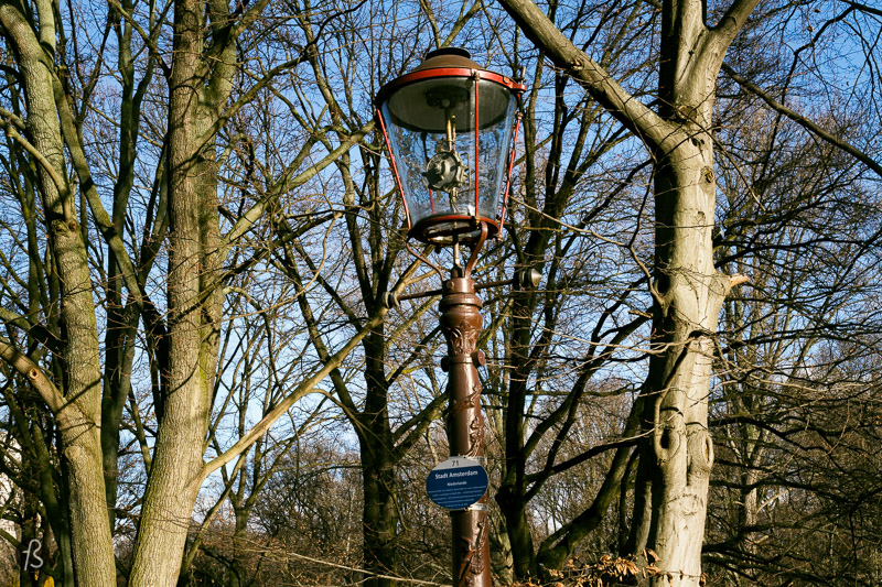 Instead of throwing the old gas lamps away, they were kept as a reminder of how street lighting used to be. And there you will see more than 90 different gas lanterns from all over Europe. Too bad some of them have been heavily vandalized, but this open air museum is still interesting. After going there, I keep paying attention to the street light in Berlin, and they are all unique.