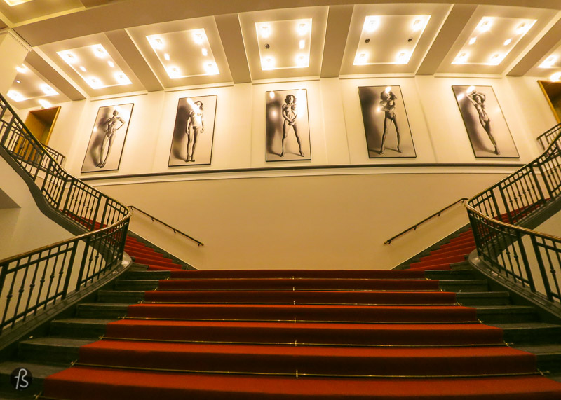 If you liked C/O Berlin, what do you think about having an afternoon dedicated to photography? If you feel like it, you can do like I did and walked nearby to the Museum of Photography. This large space used to be a casino but, nowadays, is a space dedicated to the work of famous portrait and fashion photographers. There you will also find Helmut Newton Foundation with a lot of material from Helmut Newton's long fashion photography career. There you will also be able to see his wife's photography, Alice Springs.