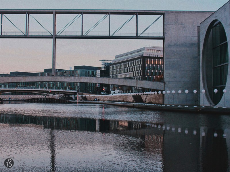 We love to explore the administrative buildings around the Reichstag. Their architecture is unique, and its geometrical features make every picture amazing. Together with the Spree river, it makes everything even better. This is one of our favorite photo spots for these reasons.