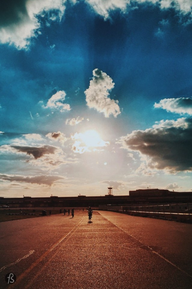 We love taking our cameras to Tempelhofer Feld. There you can see the best sunsets that Berlin has to offer and the fact that the park is famous for people doing sports makes it an even more interesting photography spot.