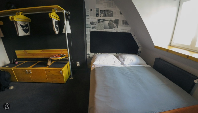 When I entered my room, I knew I had made the right choice. Inside my room, there were three beds, two small ones and a large one where I decided to sleep. The walls are covered in newspaper articles mentioning sights and stories from Hamburg. I loved the yellow boxed that can be used to store your bags and have keys to make everything safer. Inside the bathroom everything was clean, and the shower was as powerful as it can be. But, the thing that caught my eye was the small bag close to the sink. There you can find what can be only described as a rescue package, featuring tampons and condoms! If you forgot about it, Superbude didn't forget about you!