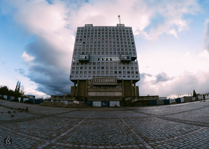 The House of Soviets is a huge brutalist building located right in the middle of Kaliningrad. There is no other construction in the city as large as this one so it can be seen from everywhere which is a stain for many Russians. Mostly because this is a failed architectural project that lays abandoned in the heart of Kaliningrad. But some people complain about the weird look of it, and some even mention that it looks too much like a buried robot since its appearance resembles the head of a buried giant robot.