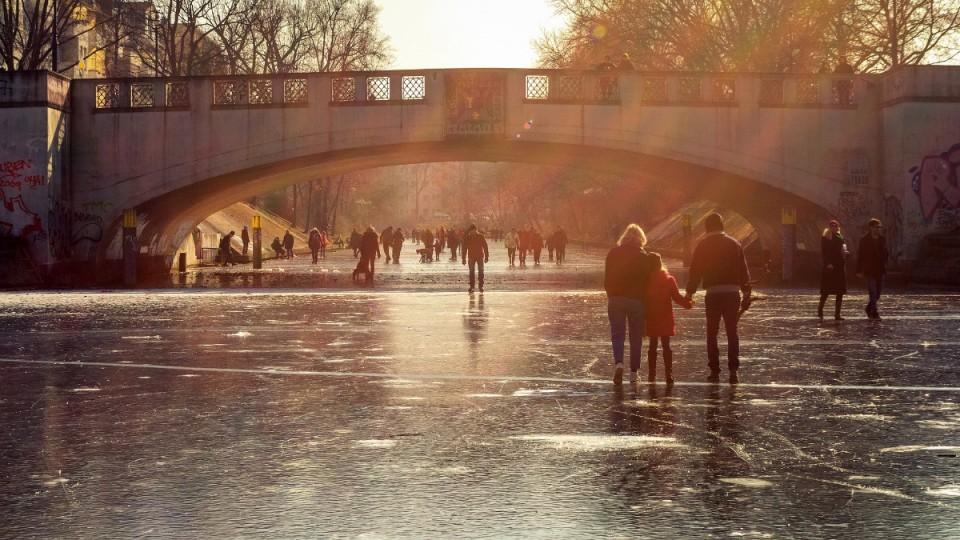 A Sunday Walk over the Frozen Landwehr Canal