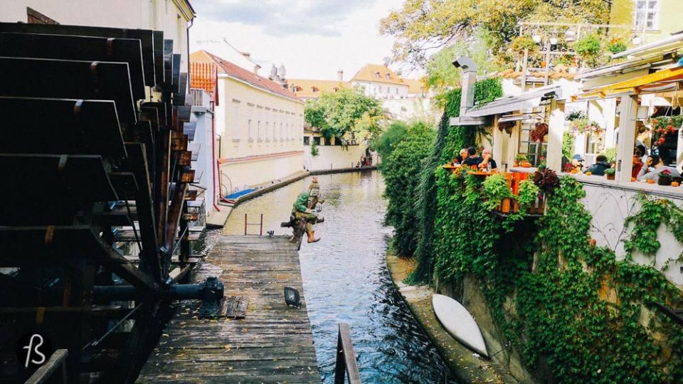 john lennon wall - A comprehensive guide for the best Prague photos ever