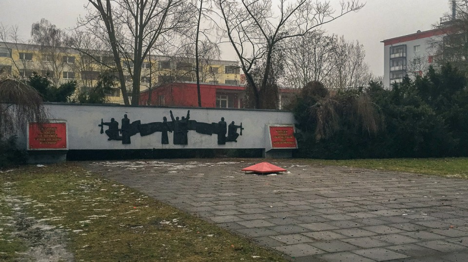 Hidden along the streets of Alt-Hohenschönhausen there is a memorial that seems to be long forgotten by people. This Soviet War Memorial is a grim reminder of the pain and struggles that the Red Army went through when it liberated Berlin from Nazism.