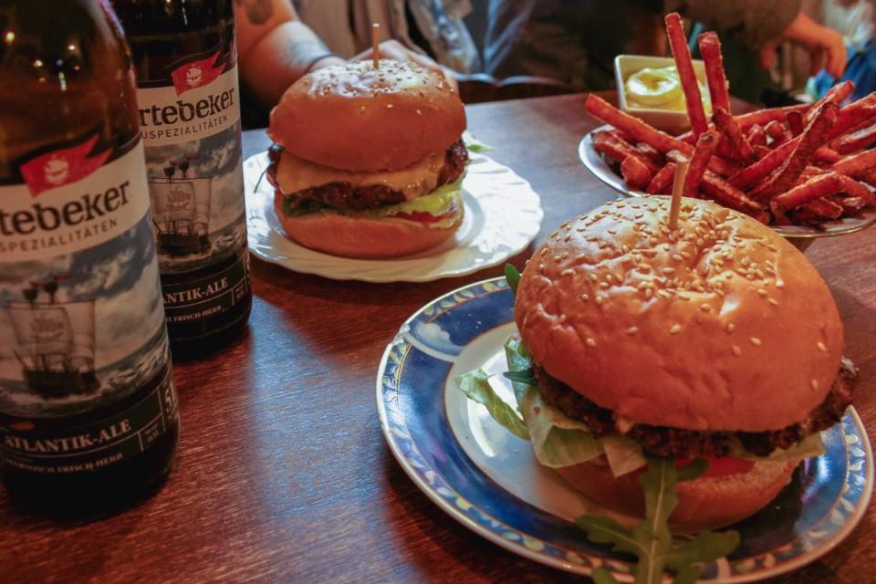 Hackbert Burger: the best mayo and fries