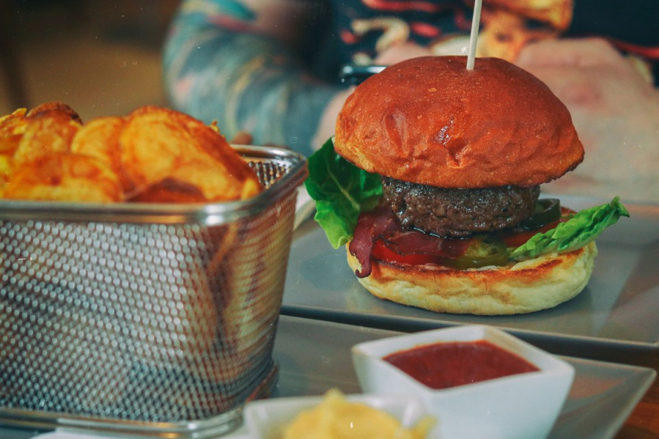 Pesti Burger: Smoked Burgers in Budapest