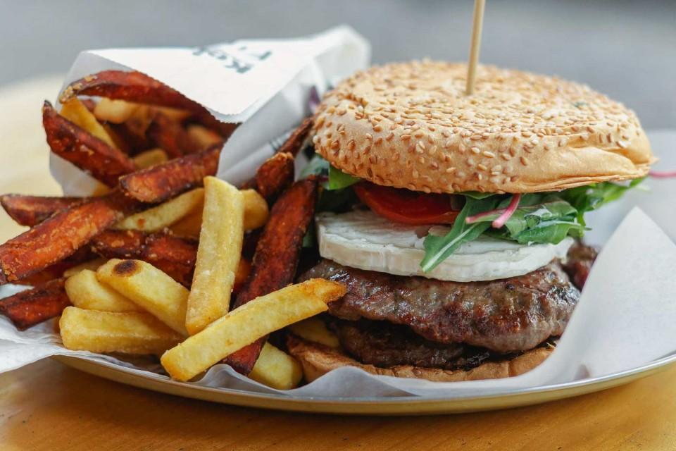 Schiller Burger: simple burgers in Neukölln