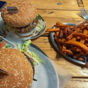 Marienburgerie: cheap burgers in Prenzlauer Berg via @fotostrasse